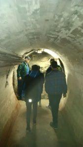 Bei der Bunkerbesichtigung mit Herrn Sauer. Foto: Zeitensprüngegruppe Fürstenwalde